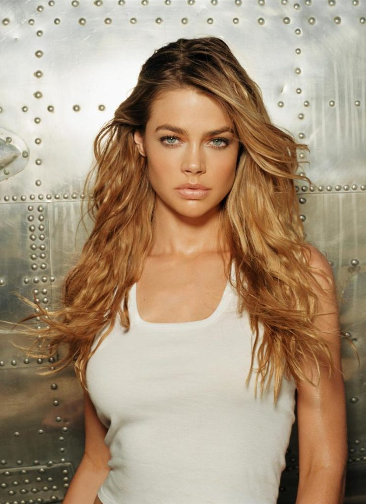 Denise Richards Sexy Wallpapers