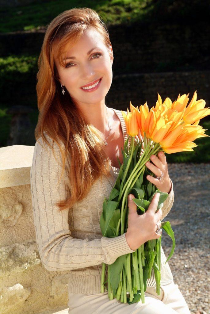 Jane Seymour With Flower Pics