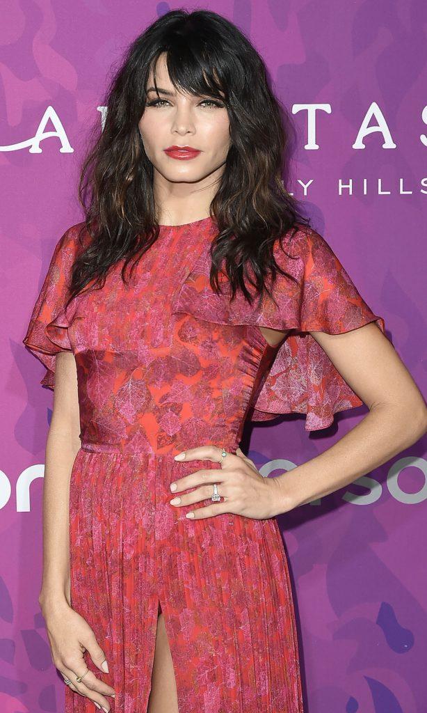 Jenna Dewan Gown Pics