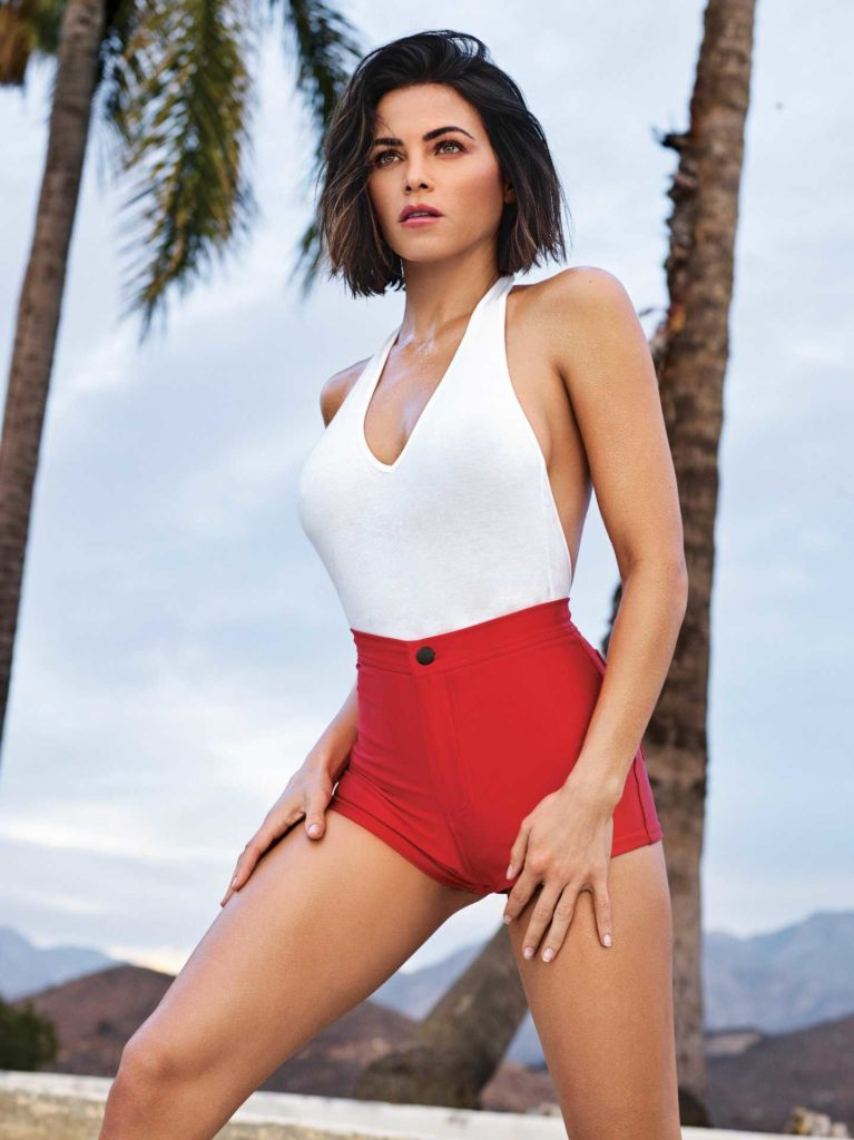 Jenna Dewan Swimsuit On The Beach Pics