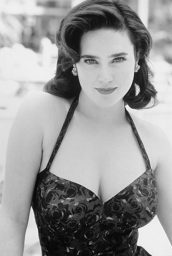 Jennifer Connelly Braless Photos