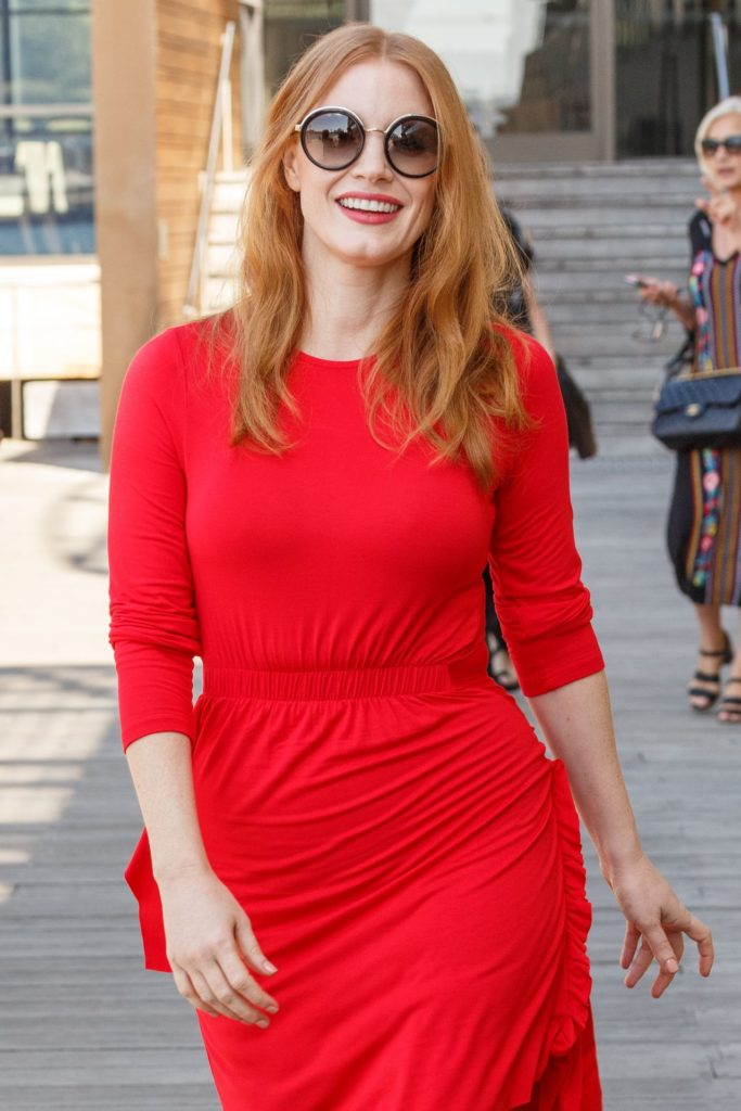Jessica Chastain In Red Clothes Pics