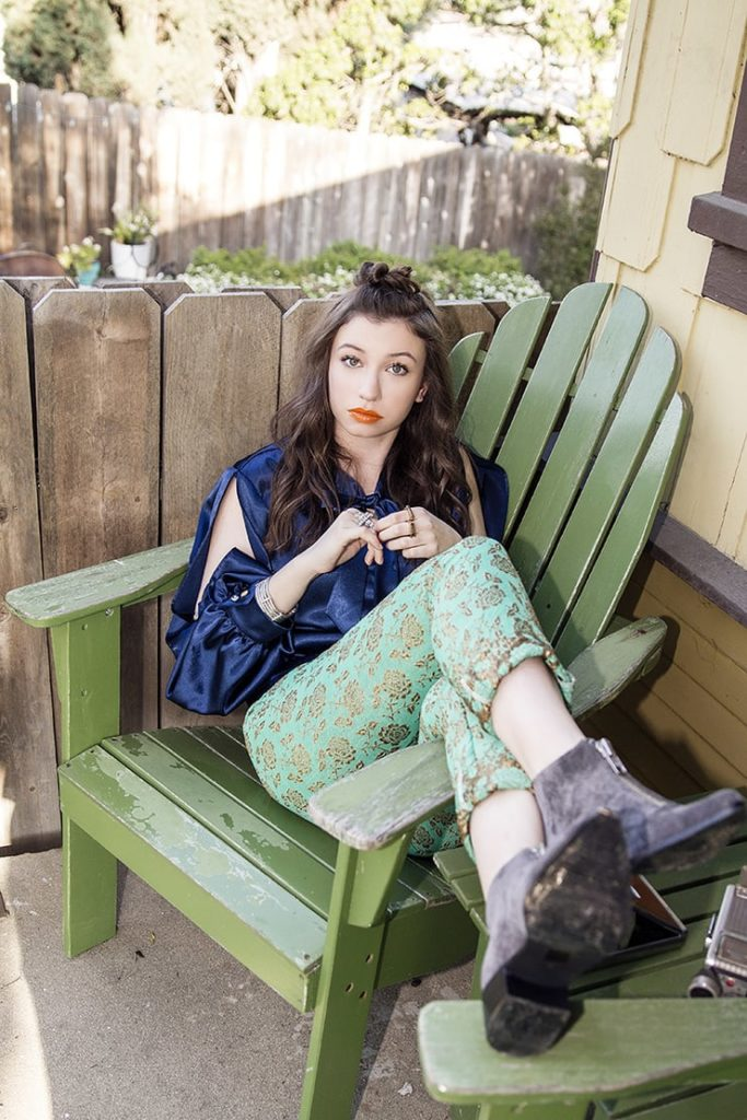 Katelyn-Nacon-Legging-Pics