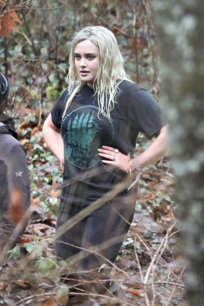 Katherine-Langford-Movie-Look-Pics