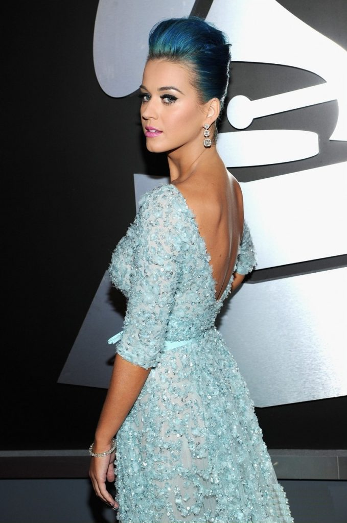 Katy-Perry-Backless-Pictures