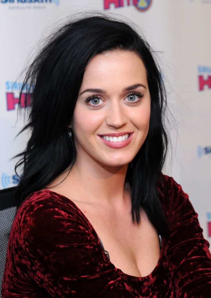 Katy-Perry-Braless-Pictures