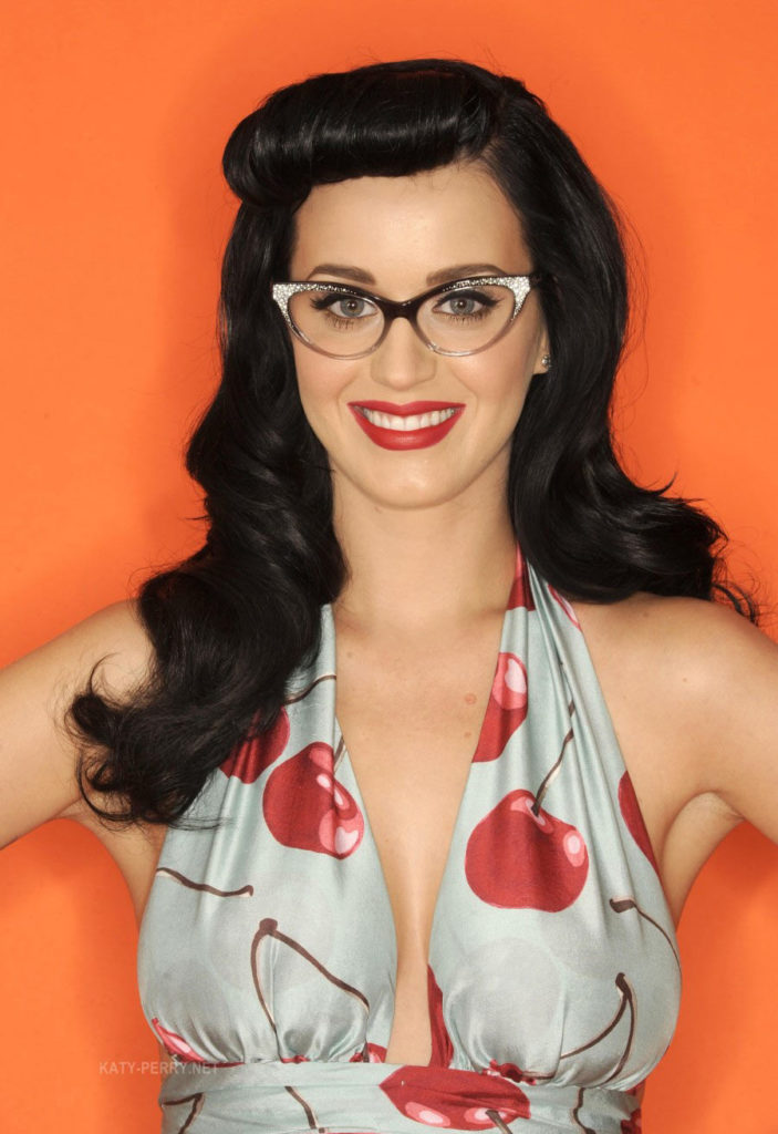Katy-Perry-Sexy-Pose-Pics