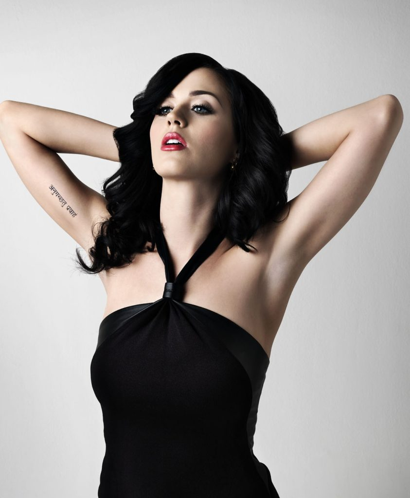 Katy-Perry-Under-Arms-Pics