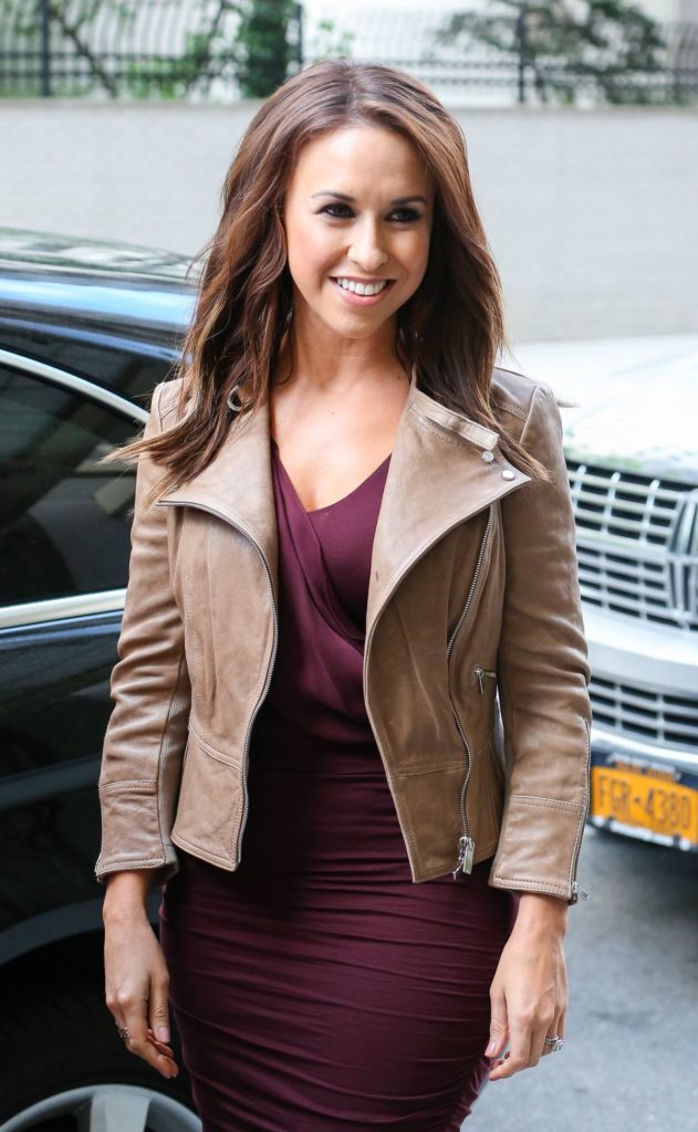 Lacey-Chabert-Smiling-Pics