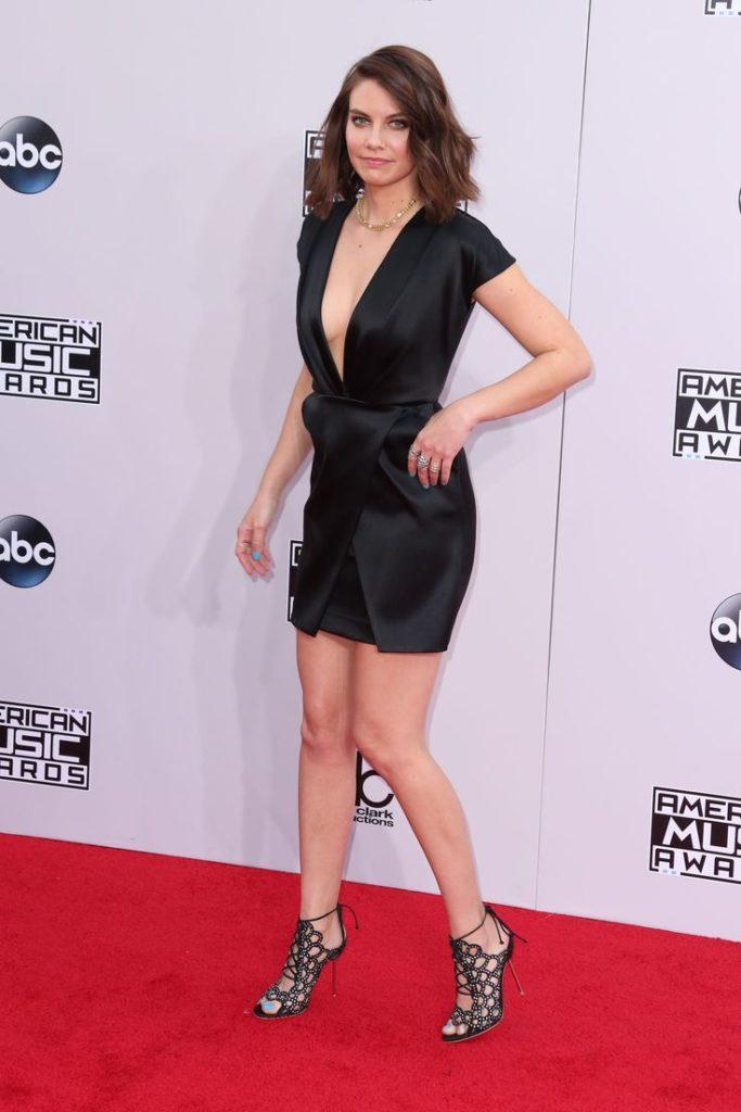Lauren-Cohan-In-Shorts-Pictures