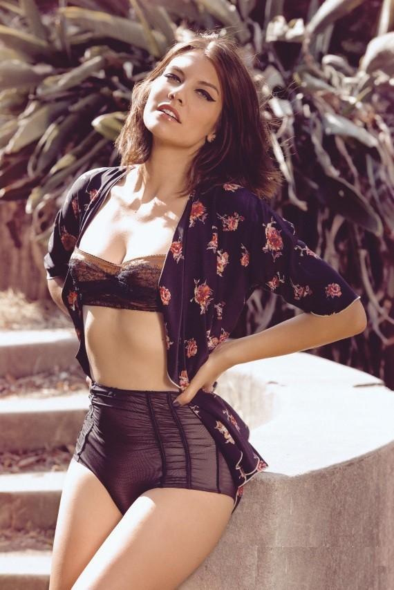 Lauren-Cohan-bra-Panty-Pictures