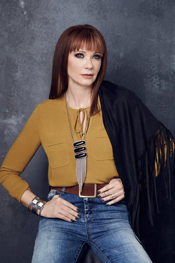 Lauren-Holly-Jeans-Photoshoot