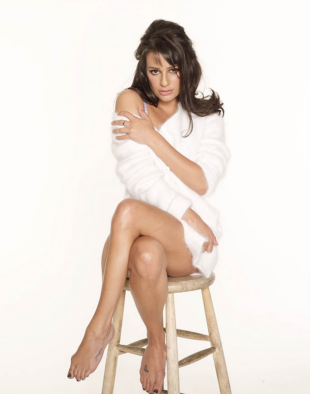 Lea-Michele-Yoga-Pants-Wallpapers