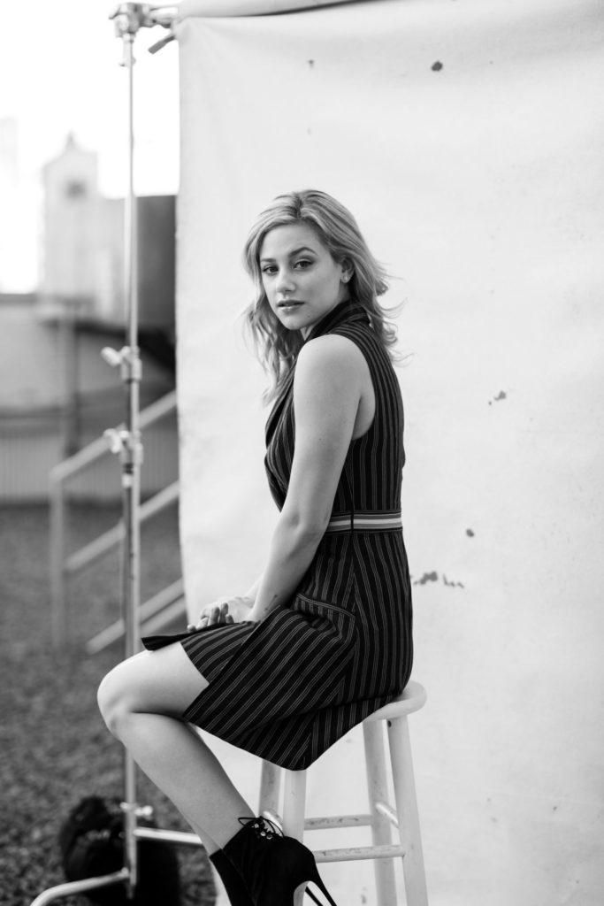 Lili-Reinhart-Shorts-Pics