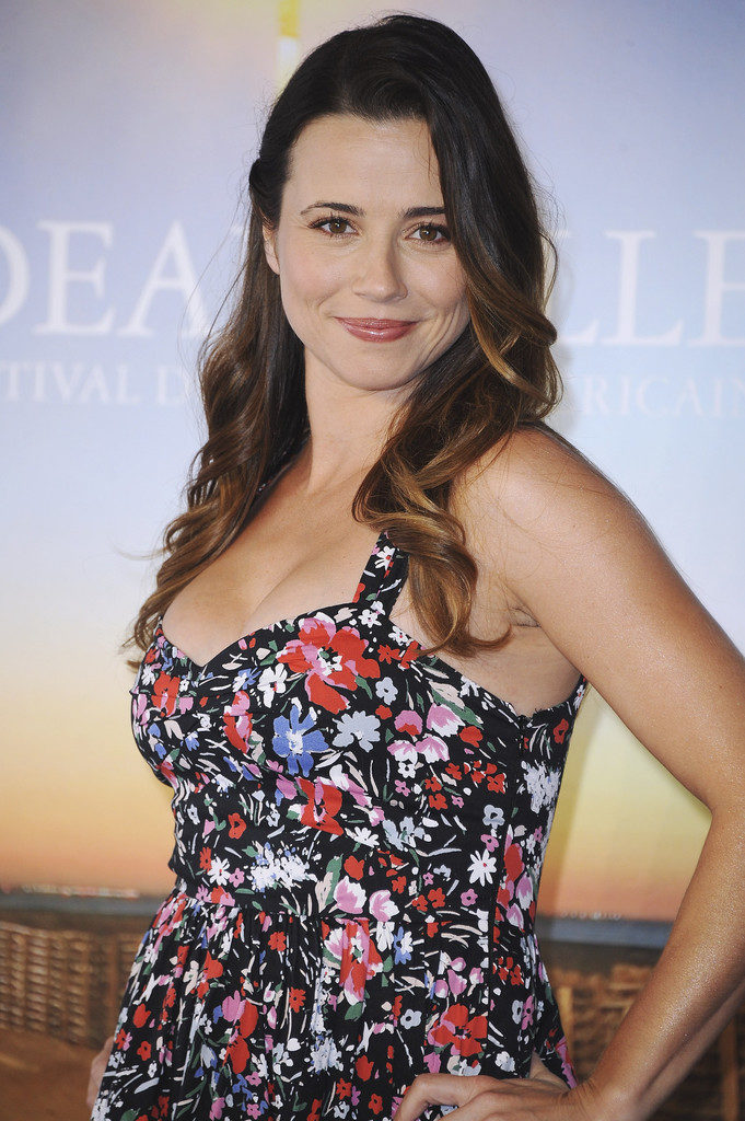 Linda-Cardellini-Topless-Pictures