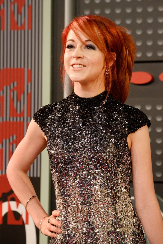 Lindsey-Stirling-Muscles-Pics