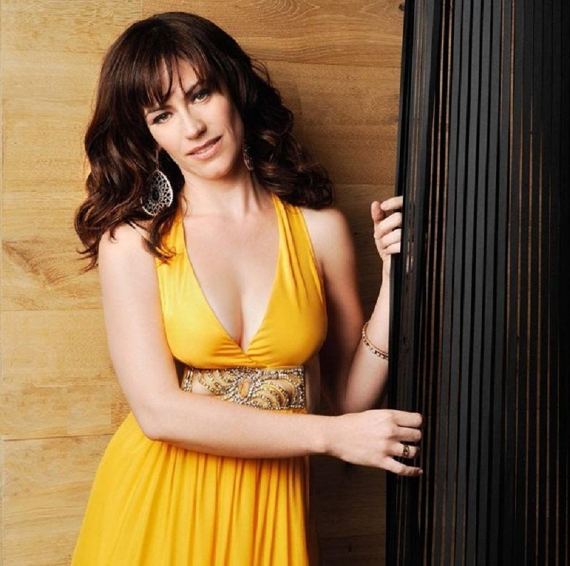 Maggie Siff Boobs Wallpapers