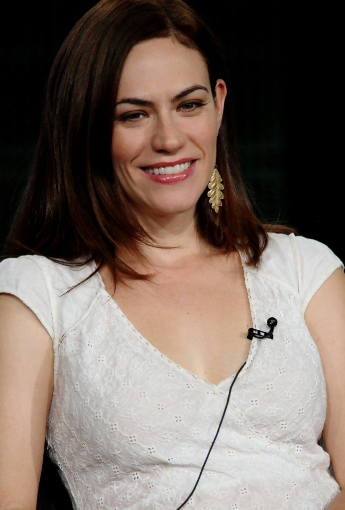 Maggie Siff Sexy Images At Show