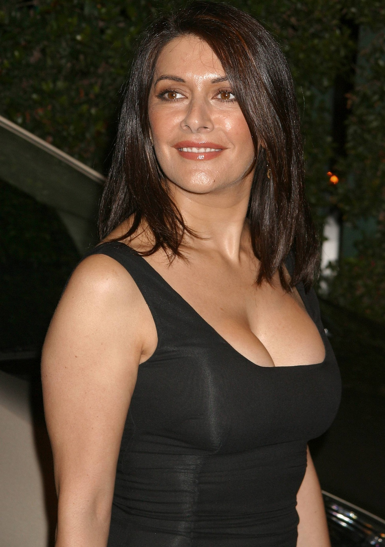 Marina Sirtis Hot Bikini Pictures - Show Her Sexy Body And