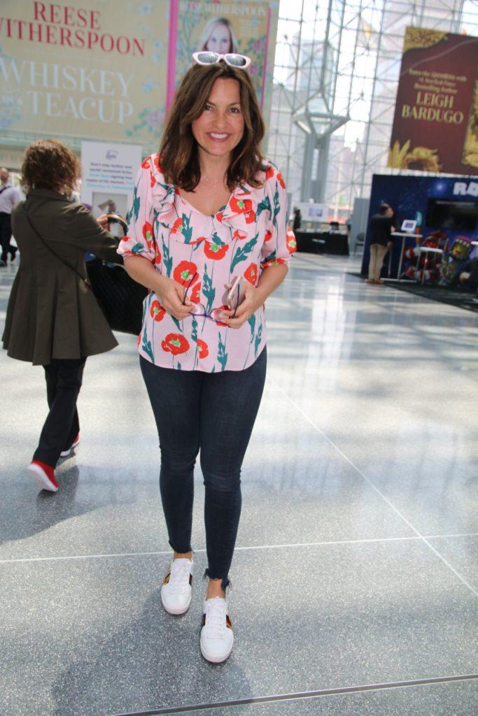 Mariska Hargitay In Jeans Photos