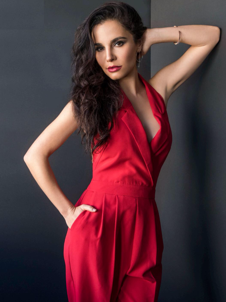 Martha Higareda In Red Leggings Pics