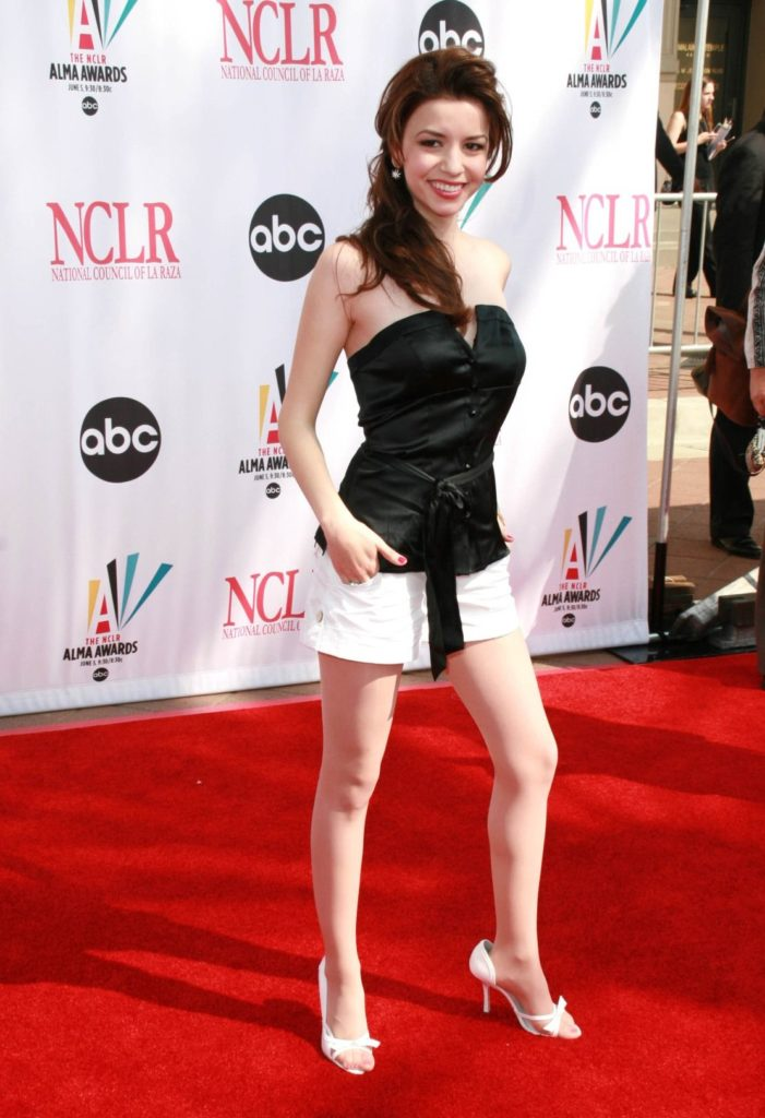 Masiela Lusha In Very Short Dress Photos