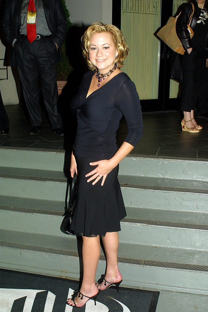 Megyn Price Body Photos