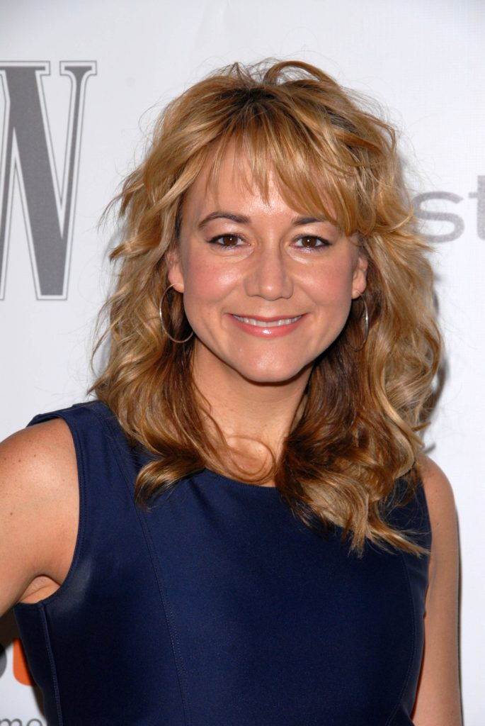Megyn Price Sexy Smile Photos
