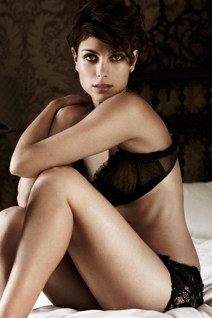 Morena Baccarin Bikini Bra Photos
