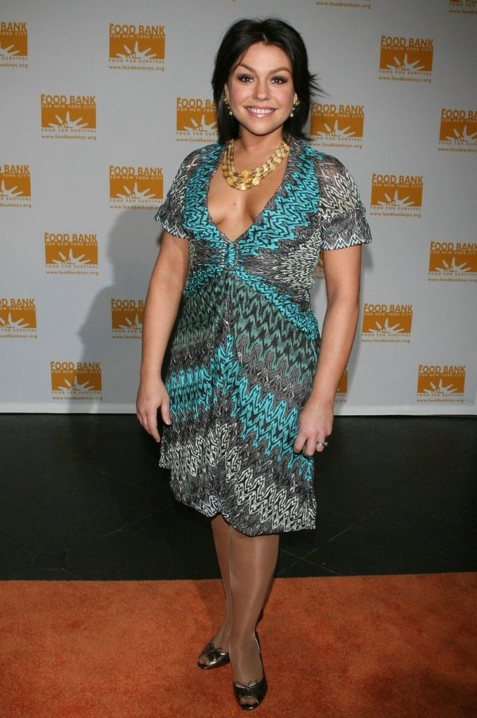 Rachael Ray Hottest Bikini Beach Pictures Are Show Her Sexy Feet
