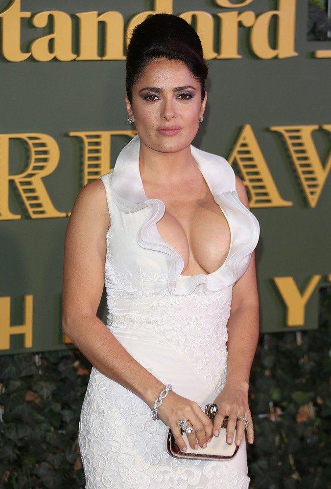 Salma Hayek Boobs Sexy Pics