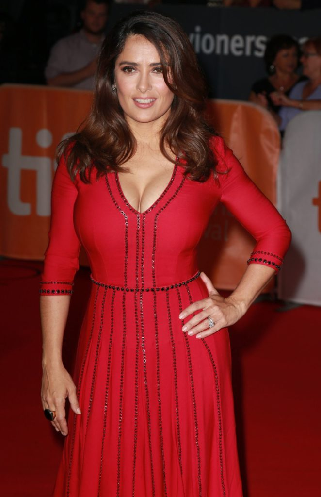 Salma Hayek In Red Gown Wallpapers