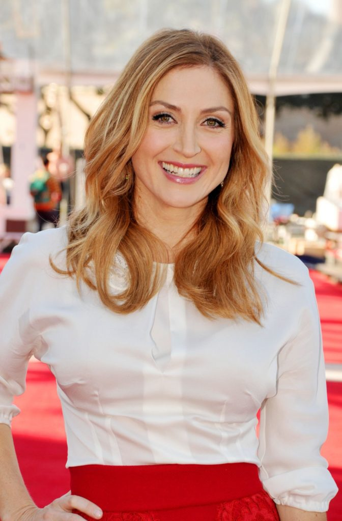 Sasha Alexander Smiling Pictures