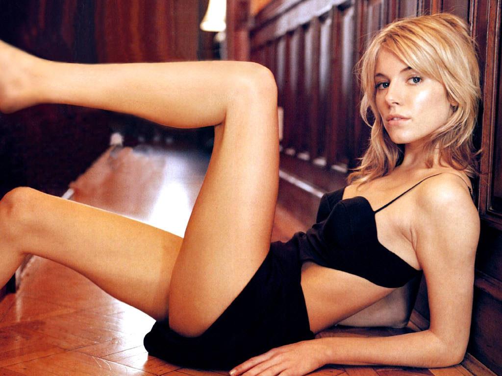 Sienna Miller Bikini Wallpapers