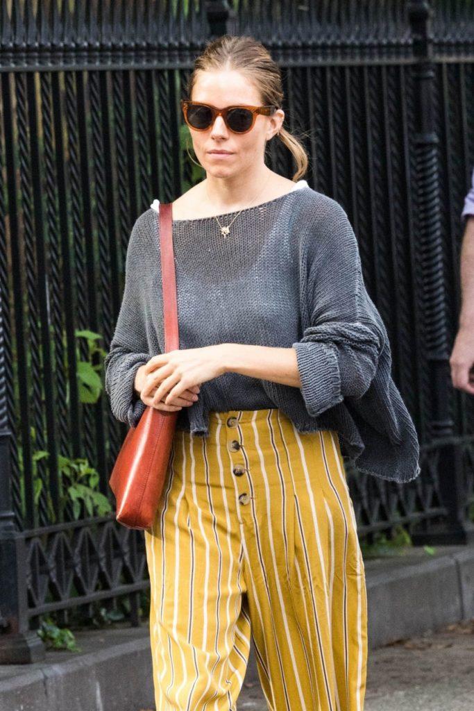 Sienna Miller In Lingerie Pics