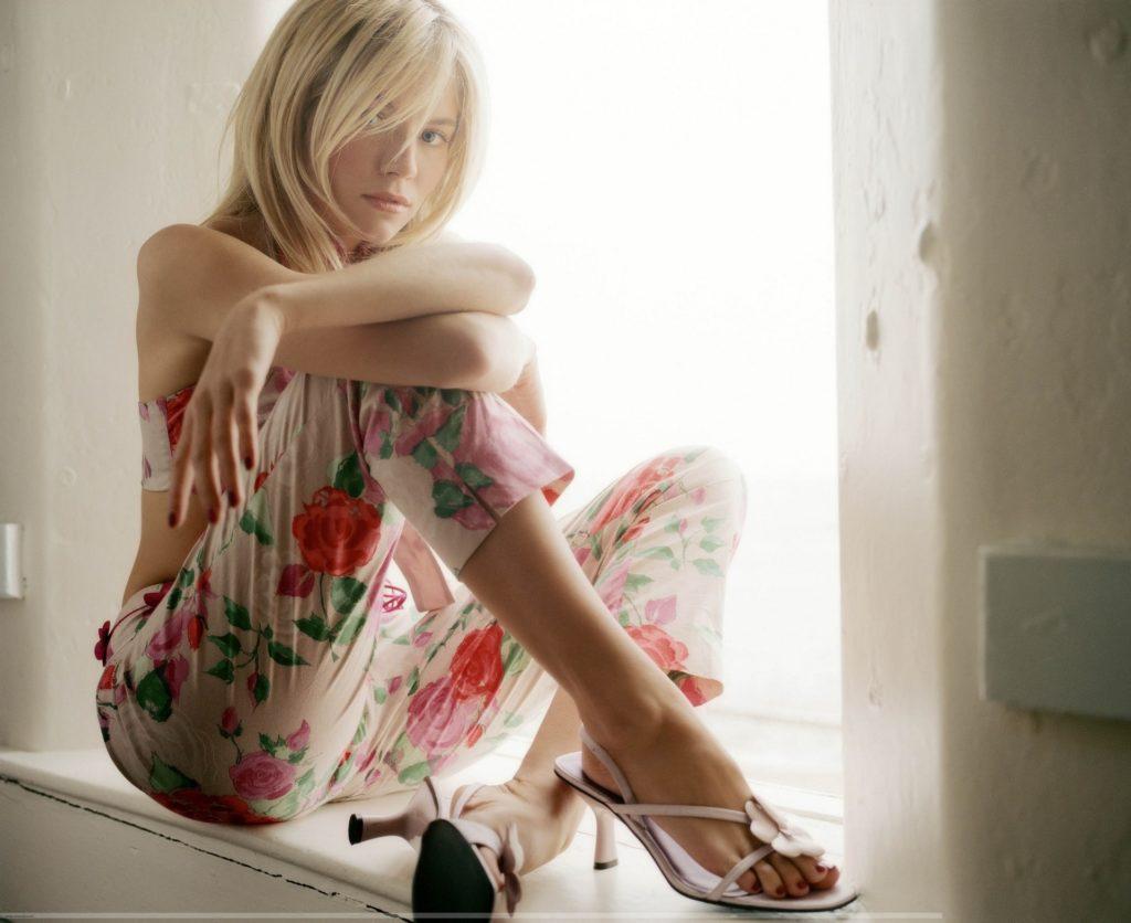 Sienna Miller Leggings Wallpapers