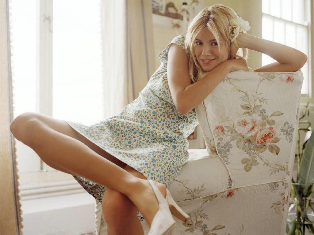 Sienna Miller Thighs Photos