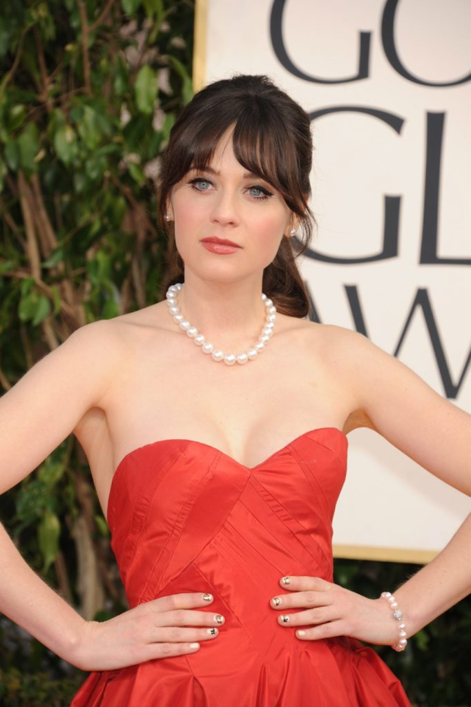 Zooey Deschanel Bra Cleavage Photos