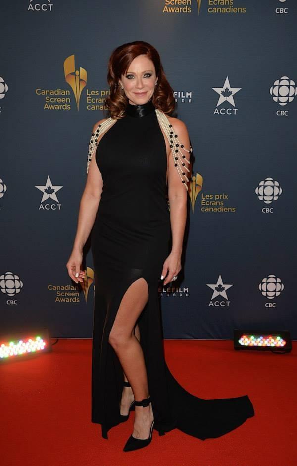 Lauren-Holly-Legs-Pics